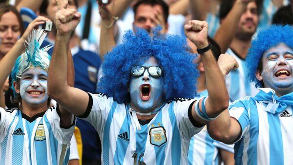Hinchas argentinos - Sputnik Mundo