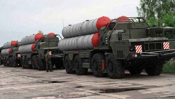 Sistemas de defensa antiaérea rusos S-400 - Sputnik Mundo
