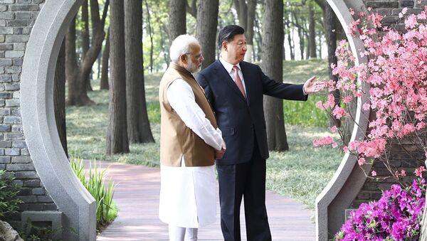 Primer ministro de la India, Narendra Modi, y presidente de China, Xi Jinping - Sputnik Mundo