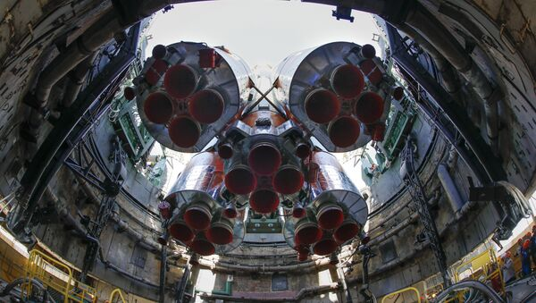 El Soyuz-FG en el cosmódromo Baikonur - Sputnik Mundo