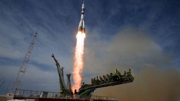 Lanzamiento del cohete Soyuz en el cosmódromo Baikonur - Sputnik Mundo