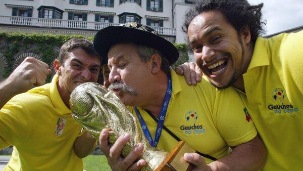 Fernando Falavigna Viana (izqd), Clovis Acosta Fernandes (centro) y Frank Damasceno Fernandes (drch) - Sputnik Mundo