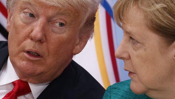 El presidente de Estados Unidos, Donald Trump y la canciller alemana, Angela Merkel - Sputnik Mundo