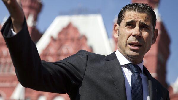 Fernando Hierro, entrenador de la selección española de fútbol - Sputnik Mundo