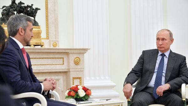 El presidente electo de Paraguay, Mario Abdo Benítez, y el presidente de Rusia, Vladímir Putin - Sputnik Mundo