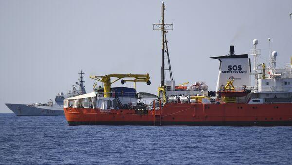 El barco de rescate Aquarius (imagen referencial) - Sputnik Mundo