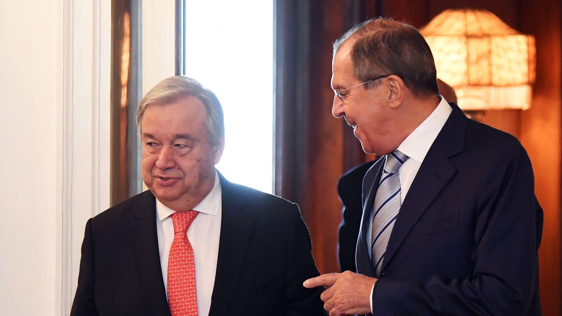 El ministro de Exteriores de Rusia, Serguéi Lavrov, y el secretario general de la ONU, Antonio Guterres - Sputnik Mundo, 1920, 25.09.2021