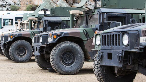 Vehículos militares de EEUU (imagen referencial) - Sputnik Mundo