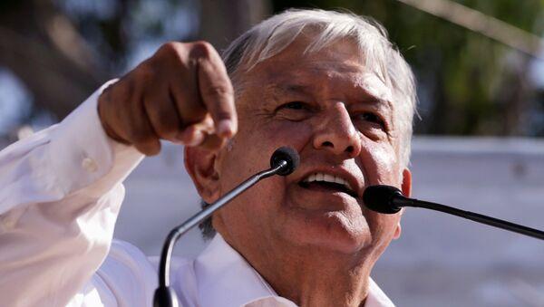 Andrés Manuel López Obrador, líder del Movimiento de Regeneración Nacional de México. - Sputnik Mundo
