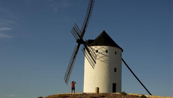 Un molino de viento (imagen referencial) - Sputnik Mundo