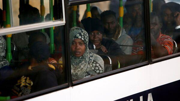 Inmigrantes en La Valeta, Malta - Sputnik Mundo