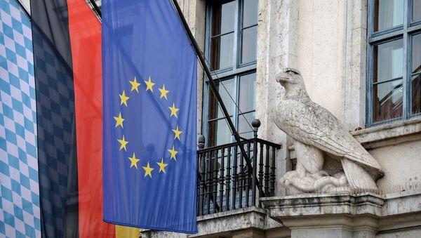 Las banderas de Baviera, Alemania y la UE - Sputnik Mundo