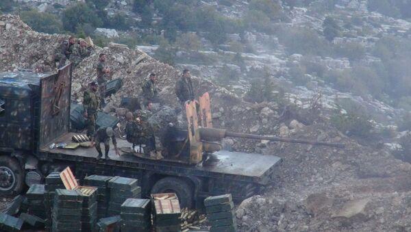 Soldados del Ejército sirio durante una ofensiva - Sputnik Mundo