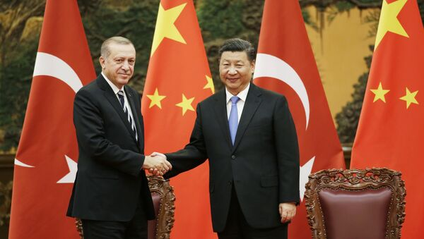 El presidente de Turquía, Recep Tayyip Erdogan, y el presidente de China, Xi Jinping (archivo) - Sputnik Mundo