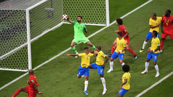 Bélgica abre el marcador con un autogol de Fernandinho en el minuto 13 - Sputnik Mundo