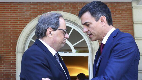 El presidente de la Generalitat, Quim Torra, y el presidente del Gobierno español, Pedro Sánchez (archivo) - Sputnik Mundo