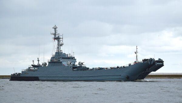 Un barco militar (imagen referencial) - Sputnik Mundo