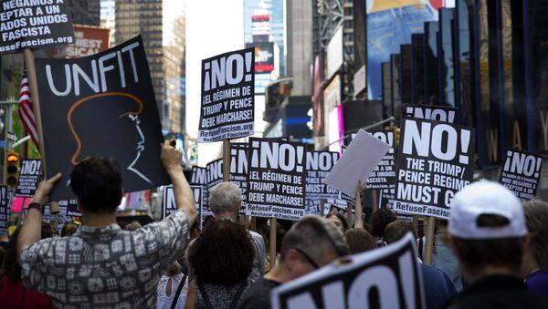 Una manifestación contra Donald Trump en Nueva York, EEUU (archivo) - Sputnik Mundo