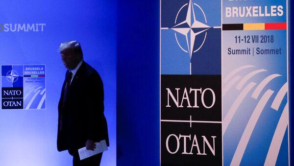 Presidente de EEUU, Donald Trump, durante la cumbre de la OTAN - Sputnik Mundo