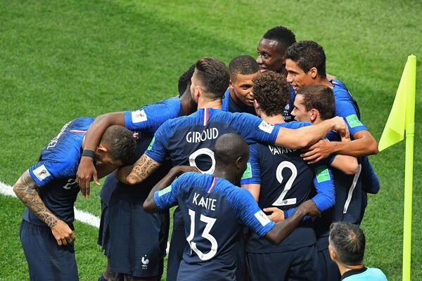 Francia y Croacia se enfrentan en la final del Mundial de Rusia - Sputnik Mundo