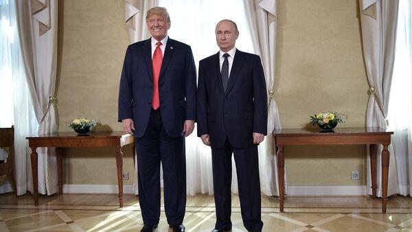 El presidente de Estados Unidos, Donald Trump, y el líder ruso, Vladímir Putin (archivo) - Sputnik Mundo