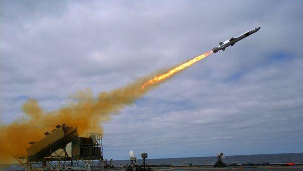 Misil antibuque NSM, imagen archivo - Sputnik Mundo