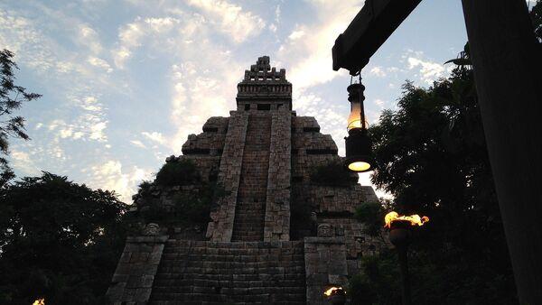 Una pirámide azteca, referencial - Sputnik Mundo