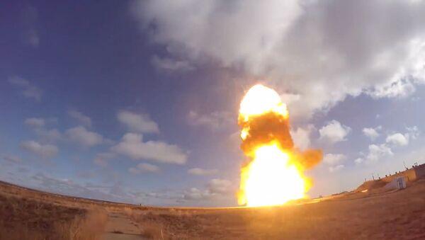 Lanzamiento de un misil en el polígono ruso de Sary Shagan - Sputnik Mundo