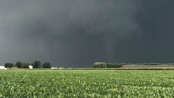 Un tornado devastador en Iowa - Sputnik Mundo