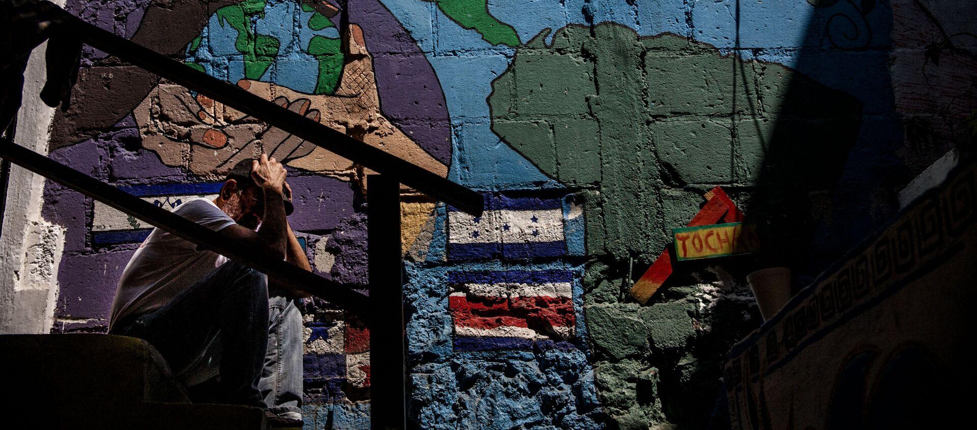 Migrante centroamericano en el albergue Casa Tochán, espera la resolución de su refugio - Sputnik Mundo, 1920, 23.07.2018