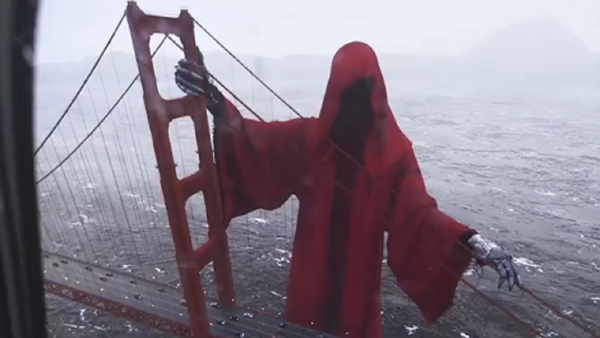 Una enorme figura encapuchada 'aparece' cerca del puente Golden Gate - Sputnik Mundo