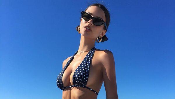 Emily Ratajkowski, modelo y actriz estadounidense - Sputnik Mundo