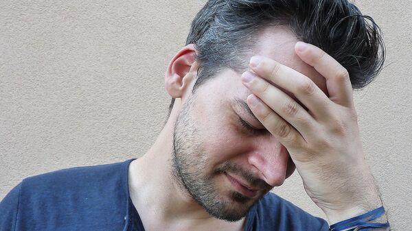 Dolor de cabeza (imagen referencial) - Sputnik Mundo