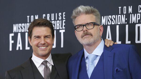 Tom Cruise y Christopher McQuarrie durante el estreno de Misión Imposible 6 en Washington - Sputnik Mundo