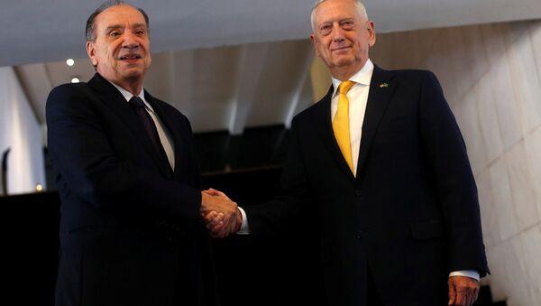 El ministro de Relaciones Exteriores de Brasil, Aloysio Nunes, y el secretario de Defensa de EEUU, James Mattis - Sputnik Mundo