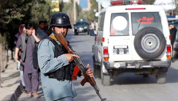 La Policía afgana cerca del lugar del atentado en Kabul - Sputnik Mundo