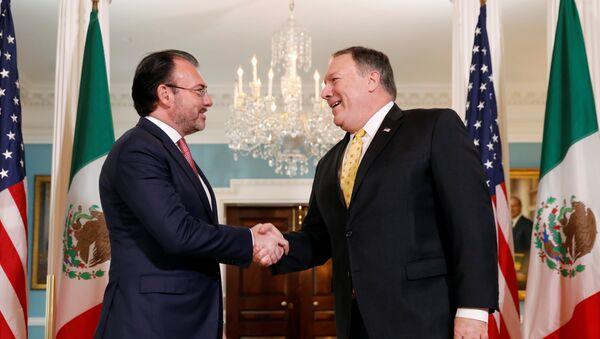 El secretario de Relaciones Exteriores de México, Luis Videgaray, y el jefe de la diplomacia de EEUU, Mike Pompeo - Sputnik Mundo