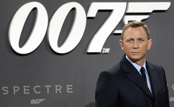 Daniel Craig tendrá su última aparición como james Bond en la recientemente estrenada Sin tiempo para morir. - Sputnik Mundo