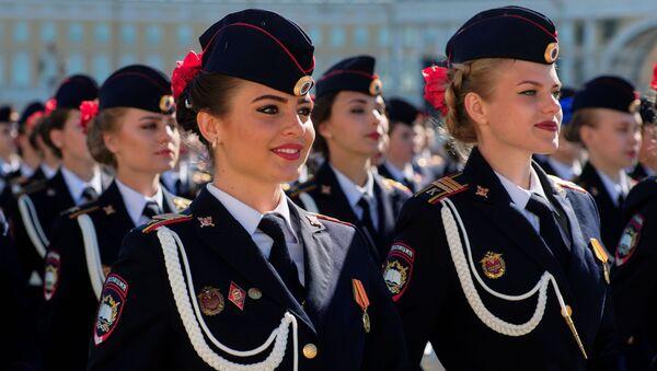 Las despampanantes militares de las FFAA de Rusia - Sputnik Mundo