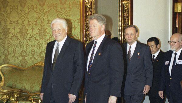 Los expresidentes de Rusia y EEUU, Borís Yeltsin y Bill Clinton (archivo) - Sputnik Mundo