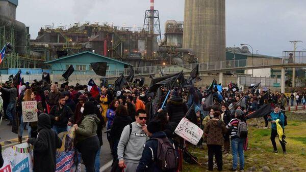 Movilización por la situación medioambiental y de salud de la población de Puchuncaví y Quintero, Chile. - Sputnik Mundo