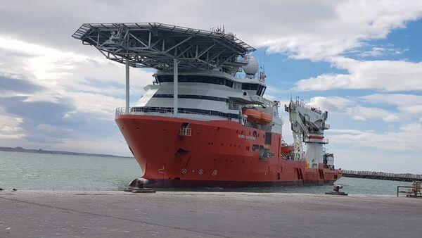 Buque noruego Seabed Constructor en el puerto de Comodoro Rivadavia en Argentina - Sputnik Mundo