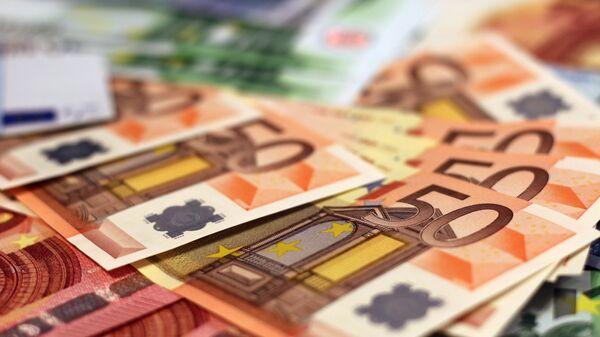 Euros, imagen referencial - Sputnik Mundo