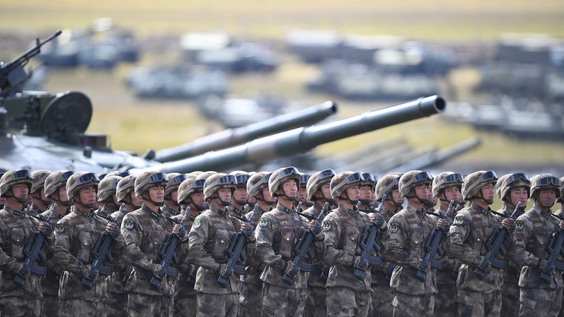 Militares chinos  - Sputnik Mundo, 1920, 06.10.2021