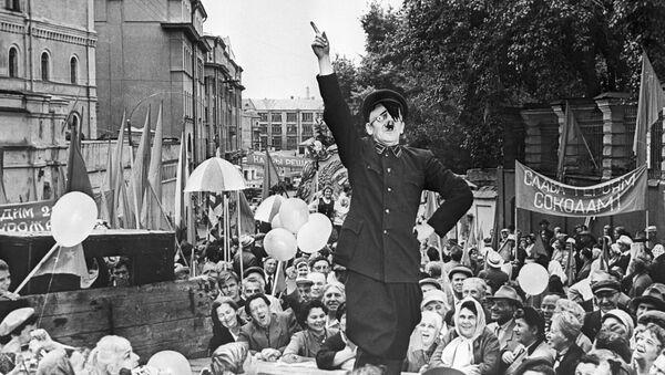 Un actor interpreta a Hitler, imagen referencial - Sputnik Mundo