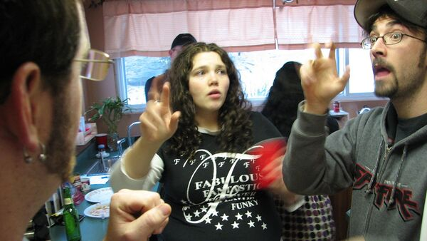 Personas hablando lengua de señas estadounidense - Sputnik Mundo