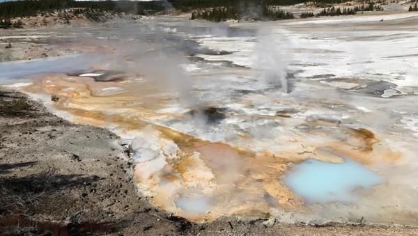 La cuenca alta del parque nacional de Yellowstone - Sputnik Mundo