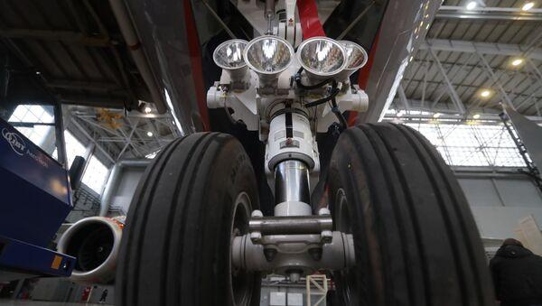 Передача авиакомпании Аэрофлот 50-го самолета Sukhoi Superjet 100  - Sputnik Mundo