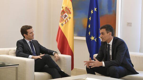 El presidente del Partido Popular, Pablo Casado, y, el presidente del Gobierno español, Pedro Sánchez (archivo) - Sputnik Mundo