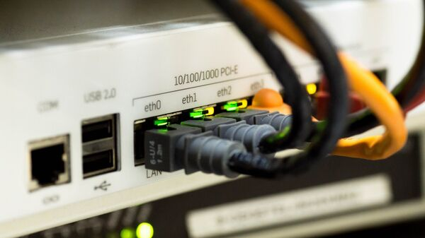 Cables de internet (imagen ilustrativa) - Sputnik Mundo